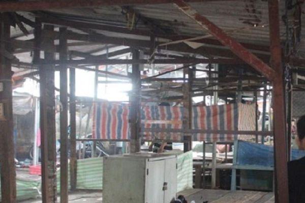 Người đàn ông chết trong tư thế treo cổ giữa chợ ở Biên Hòa