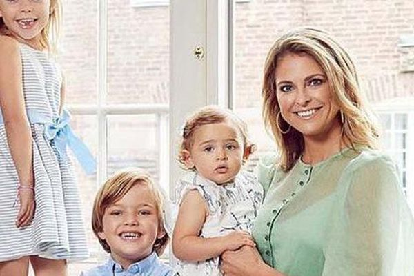 Quốc vương Thụy Điển rút tước hiệu hoàng tộc của 5 cháu