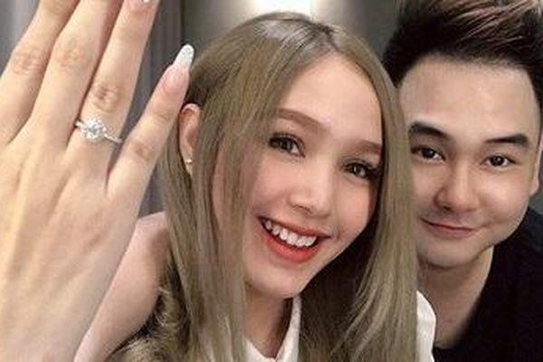 Lộ ảnh cưới của streamer giàu nhất Việt Nam với cô dâu kém 13 tuổi