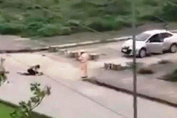 Giáng cấp đối với cảnh sát giao thông 'đứng nhìn' cô gái bị đâm chết