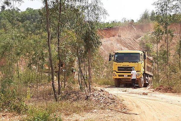 Bùng phát nạn khai thác đất trái phép ở Bắc Giang