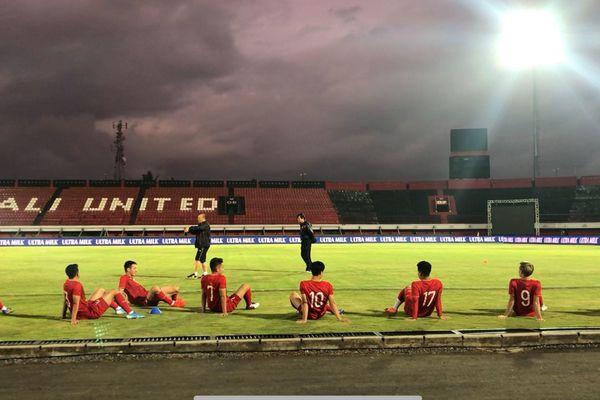Tuyển Việt Nam tập trên sân đấu chính của vòng loại World Cup tại Bali