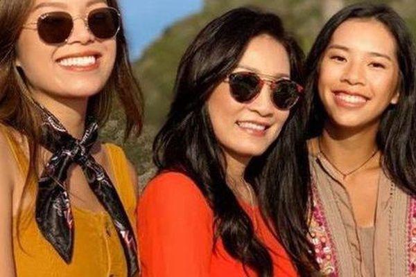 Vẻ đẹp căng tràn sức sống của hai con gái diễn viên Hồng Đào