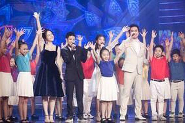 HLV Dương Khắc Linh - Phạm Quỳnh Anh - Dương Cầm cùng dàn thí sinh 'The Voice Kids 2019' hội ngộ trên sân khấu đêm nhạc ý nghĩa tại Hà Thành