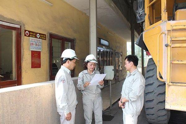 Nét đẹp lao động nữ công nhân ngành xi-măng