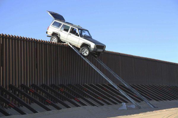 Những hàng rào biên giới không tưởng trên thế giới