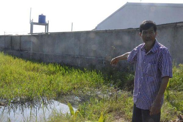 Khang Lộc xả thải bẩn 'đầu độc' cây trái nông dân