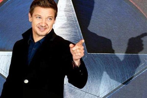 Sao phim 'Avengers' bị kiện gây thương tích cho con