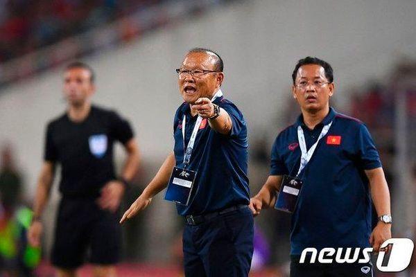 Thầy Park 'bỏ rơi' U22 Việt Nam, lấy Vàng SEA Games thế nào đây
