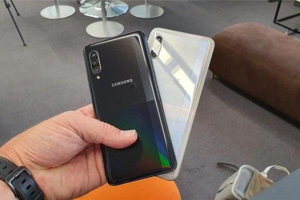 Smartphone 5G Galaxy A71 của Samsung có giá cực sốc!