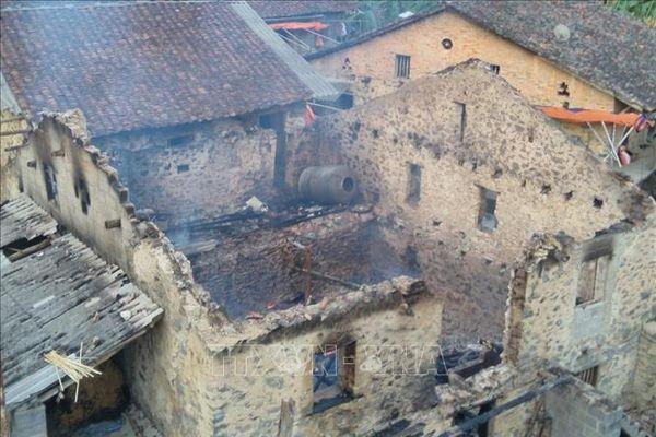 Cao Bằng: Phóng hỏa, đốt nhà hàng xóm vì nghi bị bỏ bùa ngải