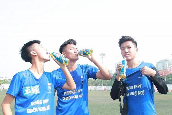 Nhiều bất ngờ xảy ra sau lượt trận 1/8 giải bóng đá học sinh Hà Nội tranh Cup Number 1 Active