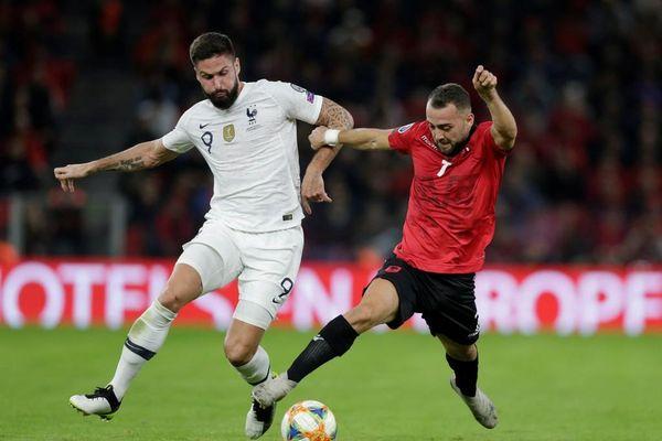 Griezmann ghi bàn giúp tuyển Pháp hạ Albania