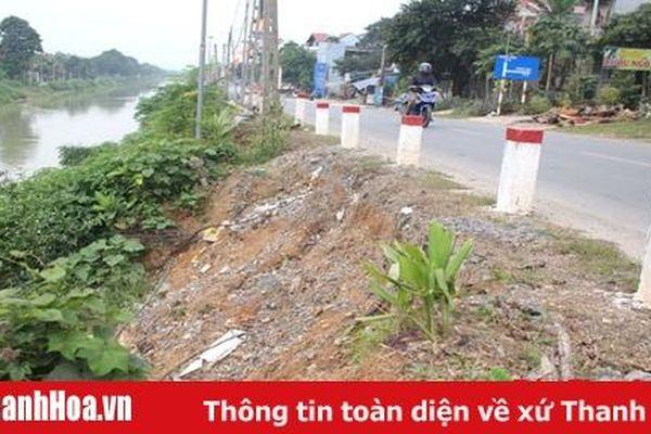Bờ sông Nông Giang qua thị trấn Lam Sơn sạt lở nghiêm trọng