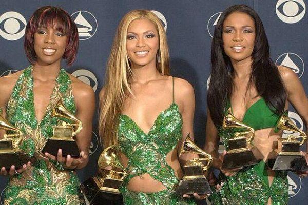 'Đắng lòng', đến Beyoncé, Khloe Kardashian cũng có lúc sát giờ lên thảm đỏ vẫn không có váy mặc