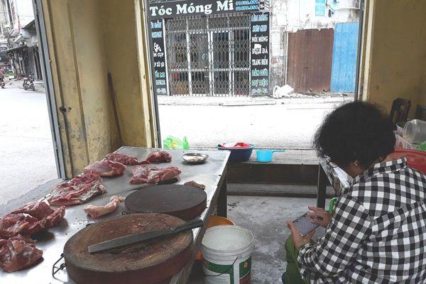Khó khăn khi giá thịt lợn tăng cao