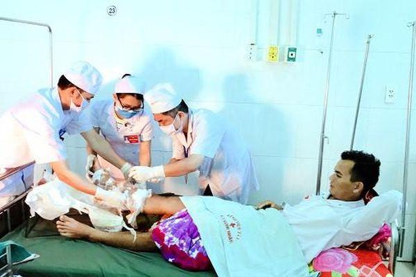 Gia Lai: Nối ghép thành công cho bệnh nhân đứt lìa cẳng chân