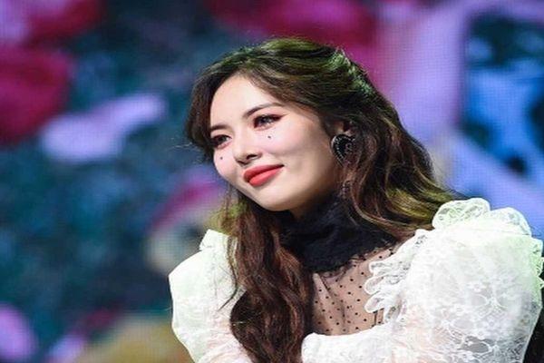 Hyuna chia sẻ về sự thật ít ai biết đằng sau ánh hào quang