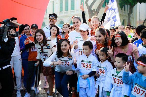 Nhiều diễn viên nổi tiếng tham dự Ngày hội Mottainai 'Giáng sinh Trao yêu thương - Nhận hạnh phúc'