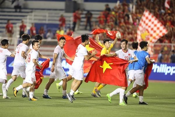 Chiều mai, Thủ tướng sẽ tiếp chúc mừng hai đội tuyển bóng đá nam và nữ Việt Nam