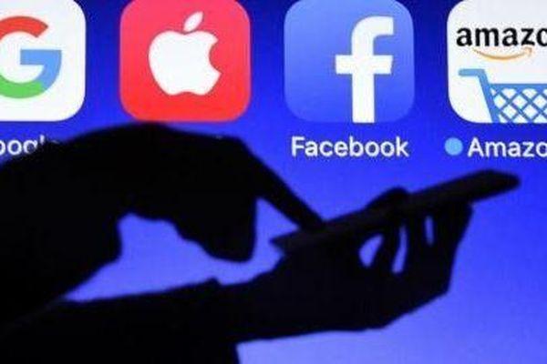 Canada muốn noi gương Pháp, Amazon, Google, Facebook... lại đau đầu