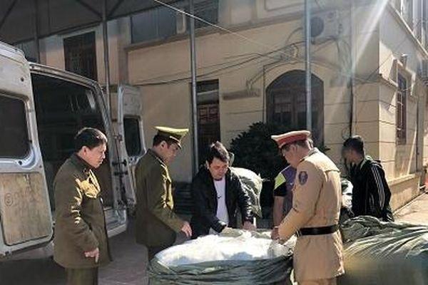 Nhập lậu gần 2.000 lọ sơn móng tay do Trung Quốc sản xuất