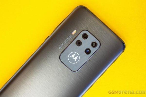DxOMark: Motorola One Zoom sở hữu camera chính tốt, góc chụp rộng và khả năng chụp xa