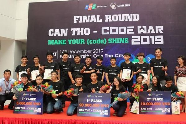 Ba học sinh THPT chiến thắng 'Code War' Cần Thơ 2019