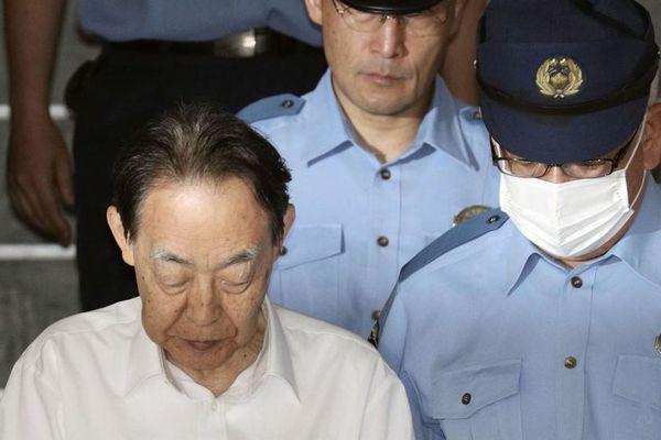 Cựu Thứ trưởng Nhật Bản đi tù 6 năm vì đâm chết con trai