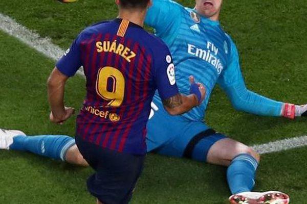 Barcelona lấn lướt Real Madrid trước siêu kinh điển