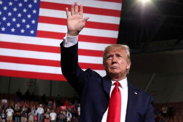 Ông Trump nói phi công F-35 đẹp hơn tài tử Tom Cruise