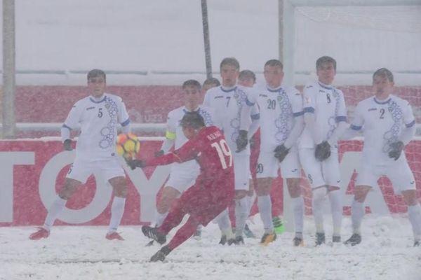 Siêu phẩm 'Cầu vồng tuyết' của Quang Hải - biểu tượng của vòng chung kết U.23 châu Á