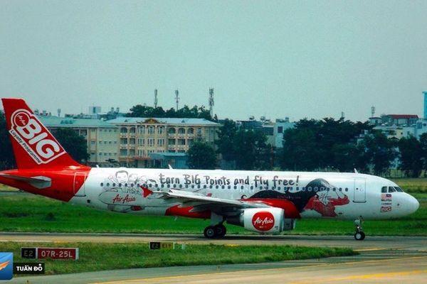 Máy bay hạ cánh khẩn cấp xuống Tân Sơn Nhất vì... pin sạc dự phòng phát nổ