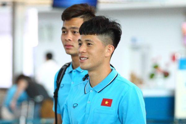 Đức Chinh, Đình Trọng và dàn cầu thủ U23 check-in sang Thái Lan