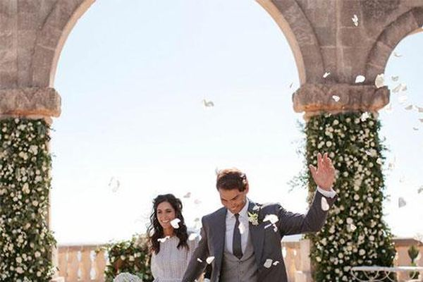 Nadal đăng ảnh cưới đón năm mới
