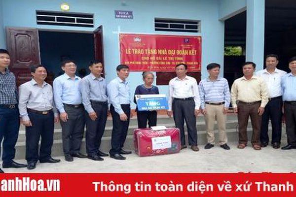 Bàn giao Nhà Đại đoàn kết cho 5 hộ nghèo tại thị xã Bỉm Sơn