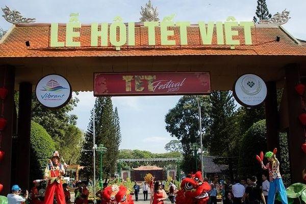 Trên 40.000 lượt người dự Lễ hội Tết Việt 2020