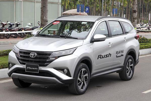 Toyota Rush hết thời bán chênh giá ở Việt Nam