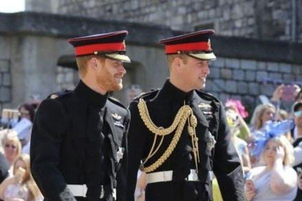 Hoàng tử Harry và William ra thông cáo, phủ nhận tin đồn mâu thuẫn