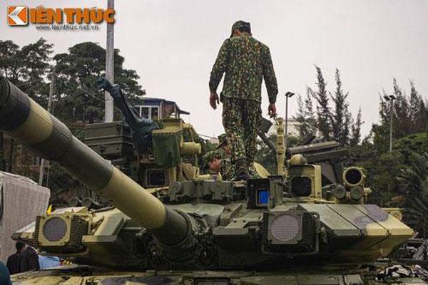 Ở Đông Nam Á có xe tăng nào mạnh 'ngang cơ' T-90S/SK của Việt Nam?