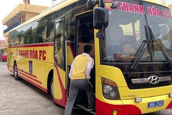 Bóng đá Thanh Hóa: Bầu Đệ quyết định sơn lại chiếc xe bus cũ