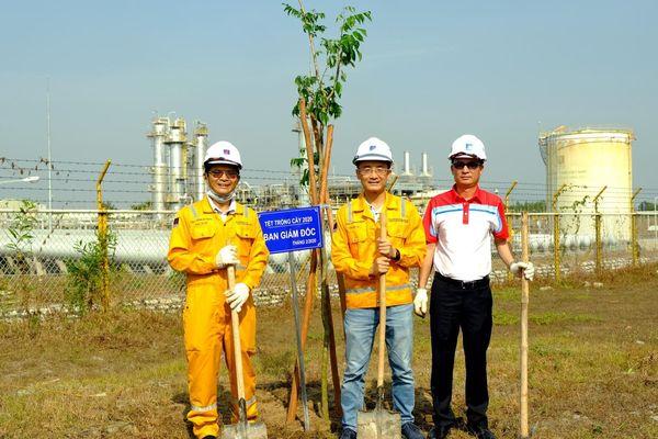 KVT tổ chức Tết trồng cây tại Nhà máy Xử lý Khí Dinh Cố
