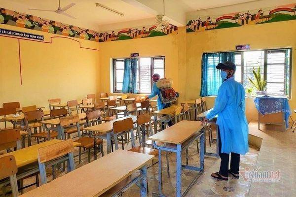 Thừa Thiên Huế: Sinh viên tiếp tục nghỉ, học sinh trở lại trường