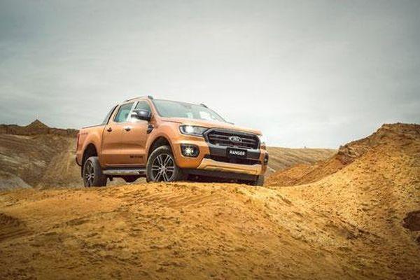 Ford Ranger Limited giá 799 triệu đồng có đủ hấp dẫn?