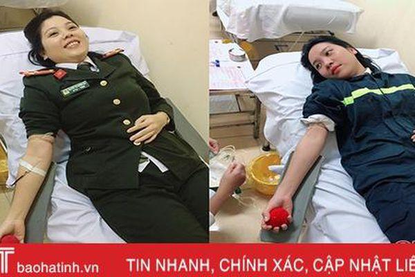 4 chiến sĩ Công an Hà Tĩnh hiến máu cứu bệnh nhân suy thận