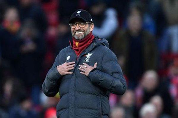Fan nhí MU gửi thư đến HLV Klopp xin Liverpool... đừng thắng nữa, và bất ngờ nhận được hồi âm