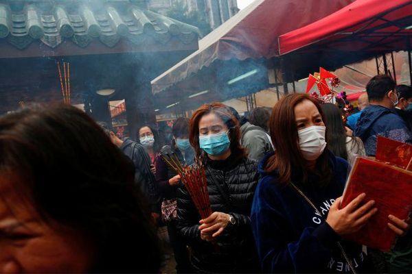 Hong Kong phát hiện hàng loạt ca nhiễm virus corona từ một ngôi chùa
