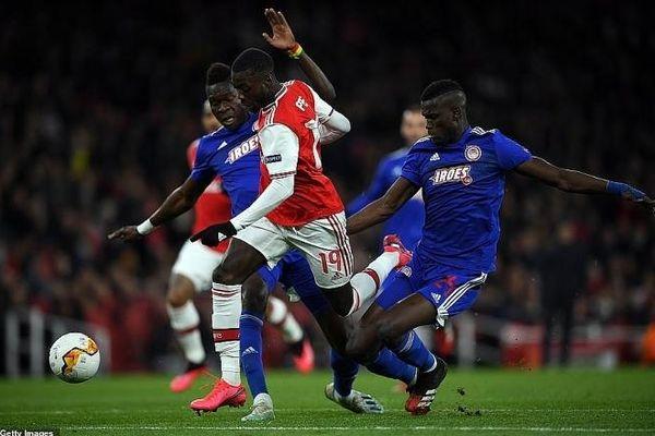 Thất bại ê chề ngay trên sân nhà, Arsenal bị loại khỏi Europa League