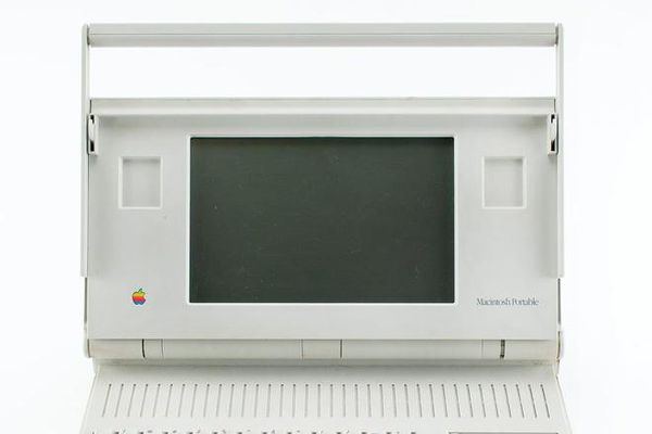 Những kỷ vật bằng cả gia tài của Apple