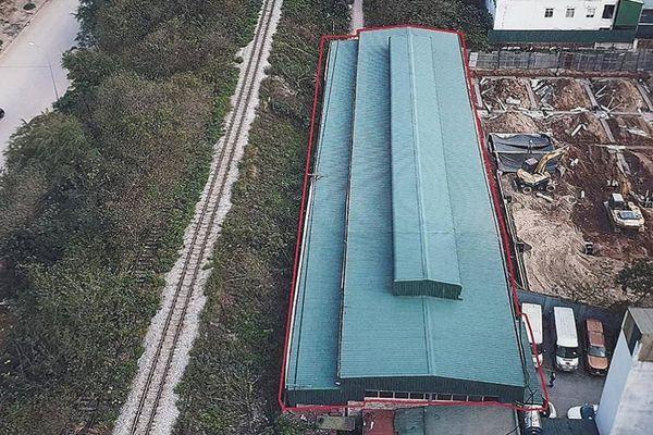 Hà Nội: Quán nhậu, gara chây ì không trả đất vi phạm hành lang đường sắt